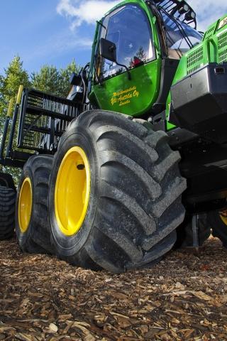 Europa-247.de - Europa Infos & Europa Tipps | Den Forstmaschinenreifen Nokian Forest Rider gibt es in neuen Größen