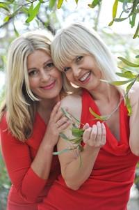 Berlin-News.NET - Berlin Infos & Berlin Tipps | Die Schauspielerinnen Karin Thaler und Bojana Golenac (von links) wissen, dass sie sich aufeinander verlassen können.