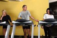 Testberichte News & Testberichte Infos & Testberichte Tipps | Körpergeruch und Schweißflecken wirken auch beim Sport nicht anziehend.
