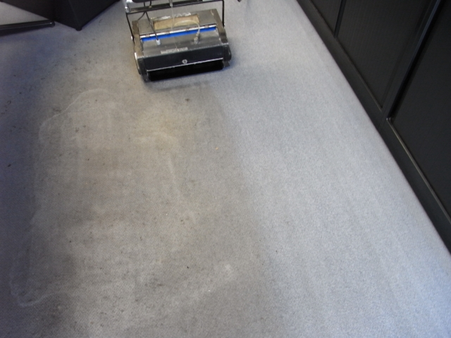 Hotel Infos & Hotel News @ Hotel-Info-24/7.de | Selbst stark verschmutzten Büroboden kriegen wir wieder hin!