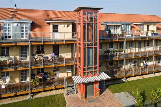 Berlin-News.NET - Berlin Infos & Berlin Tipps | Mit nachrüstbaren Aufzugsanlagen kann bei Bestandsimmobilien schnell und kostengünstig  ein barrierefreier Zugang geschaffen werden