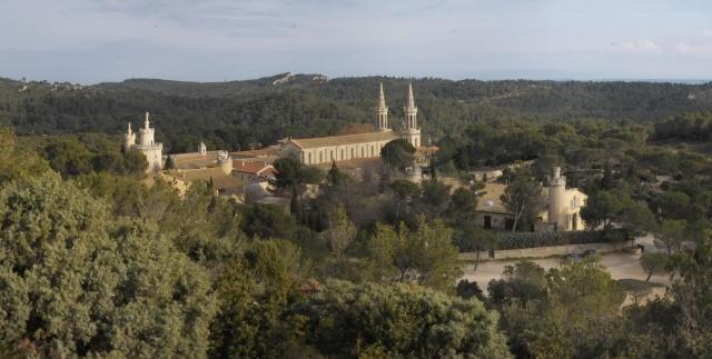 BIO @ Bio-News-Net | Verspricht Ruhe und Entspannung: Abtei St. Michel bei Avignon