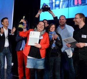 Duesseldorf-Info.de - Düsseldorf Infos & Düsseldorf Tipps | Die glücklichen Gewinner des FAMAB DAVID AWARD 2012 lassen sich feiern