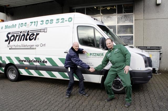 Nordrhein-Westfalen-Info.Net - Nordrhein-Westfalen Infos & Nordrhein-Westfalen Tipps | Eine feste Verbindung und der erste 5,0 t Sprinter® für die Pitzner GmbH in Bremerhaven.