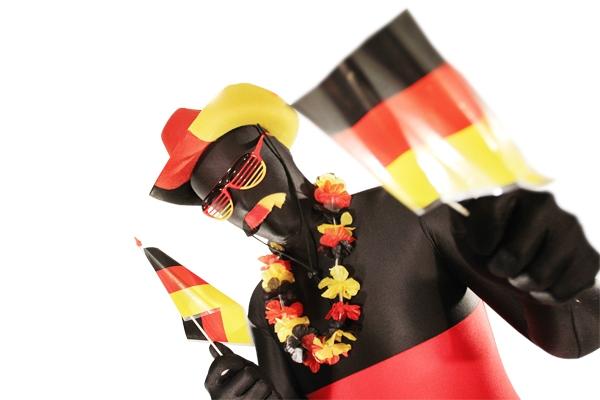 Shopping -News.de - Shopping Infos & Shopping Tipps | Vom Morphsuit bis zur Afro-Perücke in Schwarz-Rot-Gold - der Racheshop lässt EM-Fan-Herzen höher schlagen