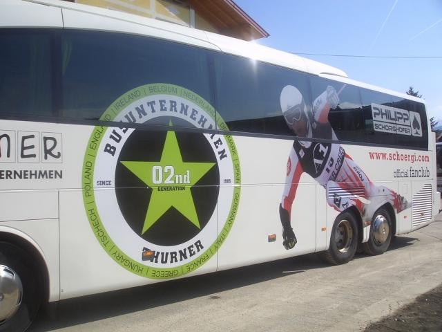 BIO @ Bio-News-Net | Familie Thurner vom Jugendsporthotel Ennshof bei der Organisation von Gruppenreisen. Thurner Bus als Partner des Jugendhotels.