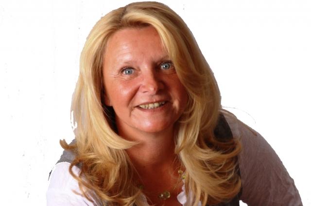 Heike Werning ist zertifizierter Hypnose-Coach und begleitet ihre Klienten bei den verschiedensten Anforderungen in der Lebens- und Berufsplanung
