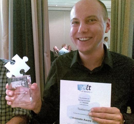 Frankfurt-News.Net - Frankfurt Infos & Frankfurt Tipps | Jakub Zavrel, CEO von Textkernel nimmt den LT Innovate Award für die Förderung eines transparenten euopäischen Arbeitsmarktes entgegen.