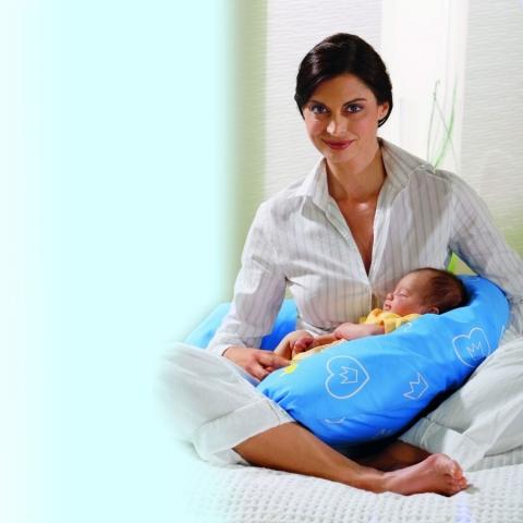 Das Still- und Entspannungskissen wird schon in der Schwangerschaft zum unentbehrlichen Begleiter.