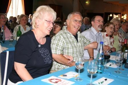 SeniorInnen News & Infos @ Senioren-Page.de | Seniorenparty in Rüsselsheim bei der Volksbank