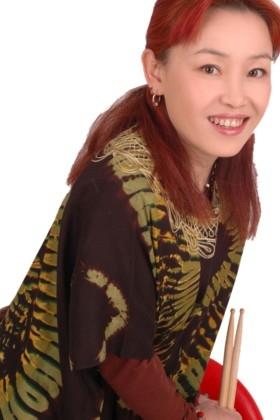 China-News-247.de - China Infos & China Tipps | Künstlerin auch als Schlagzeugerin erfolgreich