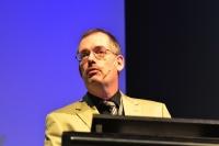 Niedersachsen-Infos.de - Niedersachsen Infos & Niedersachsen Tipps | Dr. Stefan Ihringer (Mann+Hummel) auf dem automotiveDAY 2012