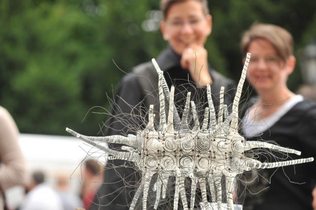 Versicherungen News & Infos | Keramikmarkt Oldenburg 2010 - Ein Werk der Preisträgerin Ursula Commandeur.