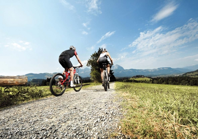 Sport-News-123.de | In Kitzbühel finden Sport- und Genussradler auf 800 Kilometern Mountainbikestrecke genau die Route, die zu ihnen passt.