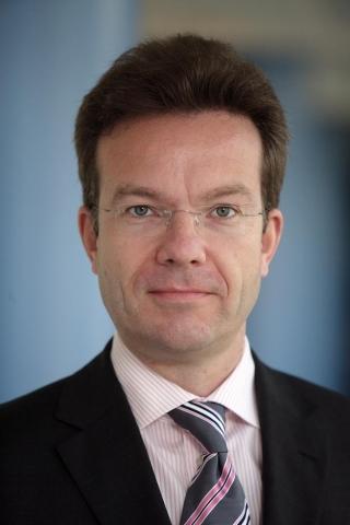 Nordrhein-Westfalen-Info.Net - Nordrhein-Westfalen Infos & Nordrhein-Westfalen Tipps | Kann eine hohe Kundenzufriedenheit der Kfz-Versicherungskunden vermelden: S-Direkt-Vorstand Dr. Jürgen Cramer.