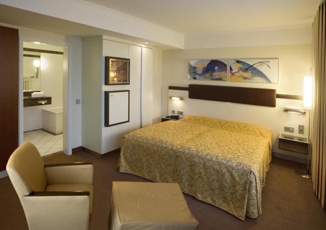 Hotel Infos & Hotel News @ Hotel-Info-24/7.de | Zwei Erwachsene und maximal drei Kinder übernachten im Familienzimmer des Hotel Kaiserhof für nur 80,- Euro beim Familien-Sommerspecial .