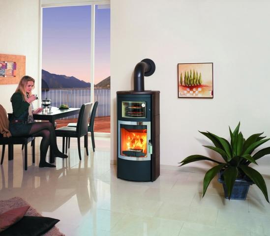 Italien-News.net - Italien Infos & Italien Tipps | Ein Pizzaofen für den Wohnraum: Der Hark Roma überzeugt durch sein modernes Design und ein voll funktionsfähiges Backfach. Bild: Hark