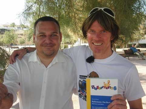 Drehbücher @ Drehbuch-Center.de | Dr. Sacha Szabo und Mickie Krause überprüfen Thesen aus dem Buch auf Mallorca