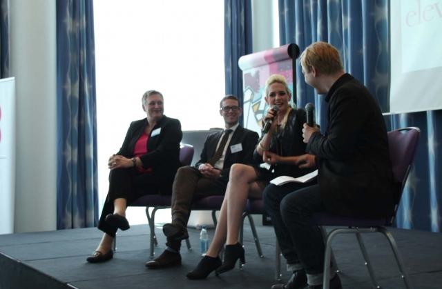 Berlin-News.NET - Berlin Infos & Berlin Tipps | Sarah Knappik und Moderator Sascha Suden