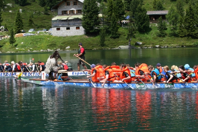 Brandenburg-Infos.de - Brandenburg Infos & Brandenburg Tipps | Drachenbootrennen auf dem Obersee in St. Jakob am Staller Sattel. Foto: TV Defereggental