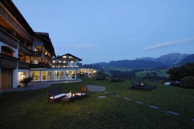 Wellness-247.de - Wellness Infos & Wellness Tipps | Traumhaft gelegen ist das Bergkristall – Natur und Spa in Oberstaufen-Willis. Foto: Günter Standl