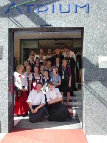 Tickets / Konzertkarten / Eintrittskarten | Mit gutem Beispiel voran: Im Jahr 2011 führten 25 Azubis das Atrium Hotel Mainz unter dem Motto