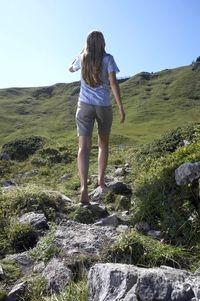 Pflanzen Tipps & Pflanzen Infos @ Pflanzen-Info-Portal.de | Die Bergwelt anders erleben: der Natur ganz nah auf dem Barfußwanderweg.