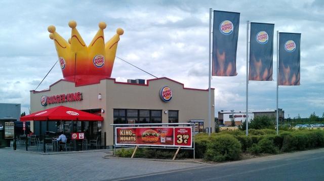 Auto News | In Bornheim betreibt die Westfalen AG als Franchisenehmerin der Burger King GmbH ihr zehntes Restaurant.