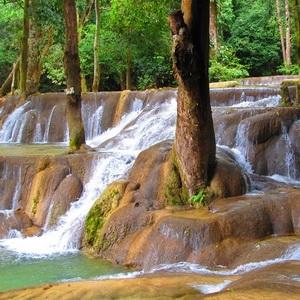 China-News-247.de - China Infos & China Tipps | Im September verwandeln sich die Wasserfälle in ein Naturspektakel