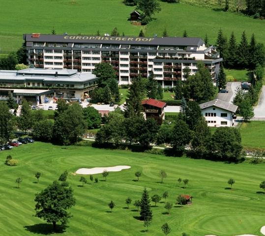 """News - Central: Von der Gasteiner Natur zur Salzburger Kultur: Das Hotel EUROPÃ""""ISCHER HOF bietet VIP-Limousinenservice von Bad Gastein in die Festspielstadt. Das 5-Sterne-Haus liegt direkt am GC Gastein."""