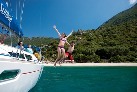 Versicherungen News & Infos | Sunsail Flottillen: Spaß und Abenteuer auf einer Segelyacht