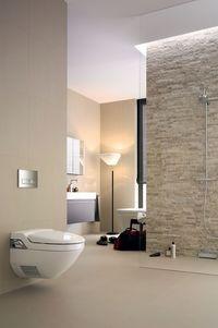 Intimhygiene pur: Dusch-WCs gibt es als elegante Komplettanlagen oder als WC-Aufsätze für vorhandene WC-Keramiken.