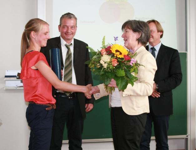 Berlin-News.NET - Berlin Infos & Berlin Tipps | Die ersten Absolventen des Master-Studienganges. Foto: ulmkolleg