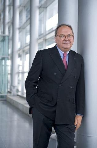 Asien News & Asien Infos & Asien Tipps @ Asien-123.de | Werner M. Dornscheidt, Vorsitzender der Geschäftsführung der Messe Düsseldorf GmbH, will das Auslandsengagement nochmals verstärken