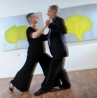 Ostern-247.de - Infos & Tipps rund um Geschenke | Julián und Heidi beim Tango