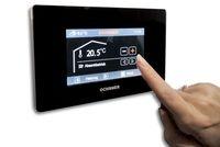 Alternative & Erneuerbare Energien News: Steuerung der Heizung - Die gesamte Wärmepumpen- und Heizungsanlage per Fingertipp vom Wohnzimmer aus steuern: neue Touchscreen-Bedienung.