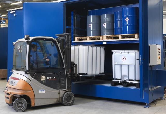 News - Central: Container-Lösungen für die Lagerung von Gefahrstoffen gehören zum Kernsortiment der DENIOS AG.