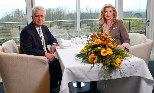 TV-Moderator Frank Elstner zu Gast bei Susan Stahnke im Tischgespräch