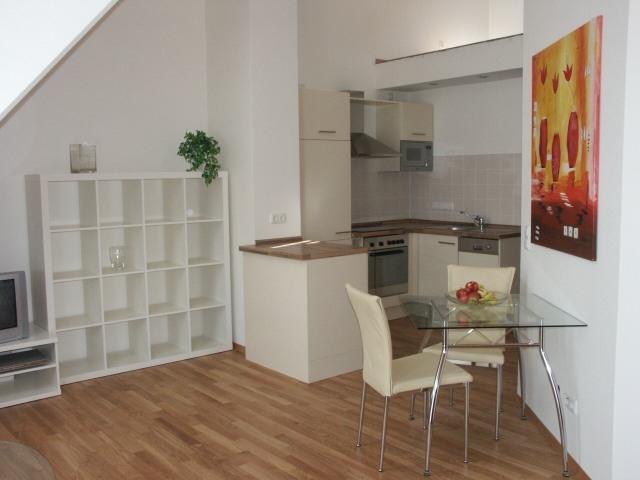 Restaurant Infos & Restaurant News @ Restaurant-Info-123.de | Küche in einer möblierten Wohnung