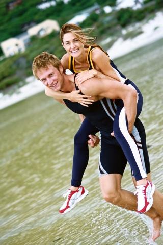 Medien-News.Net - Infos & Tipps rund um Medien | Proteinshakes im Einsatz: Viele Freizeitsportler möchten ihr Gewicht halten oder reduzieren.