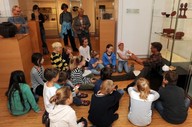 Hotel Infos & Hotel News @ Hotel-Info-24/7.de | KunstGenuss für Kids - Kinder im Museum für Lackkunst in Münster