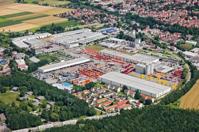 Firmenzentrale, Entwicklung und Produktion der weltweit agierenden PERI Gruppe sind in Weißenhorn südlich von Ulm angesiedelt.