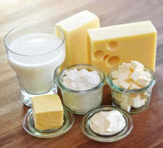 Foto: Fotolia (No. 4726) Bildzeile: Milchprodukte enthalten hochwertiges Eiweiß und sind reich an Vitaminen und Mineralstoffen.