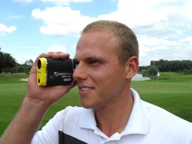 Europa-247.de - Europa Infos & Europa Tipps | Foto© dublisGolf : Daniel Wünsche nutzt Leupold´s GX-4i® Golf Entfernungsmesser zur perfekten Turniervorbereitung