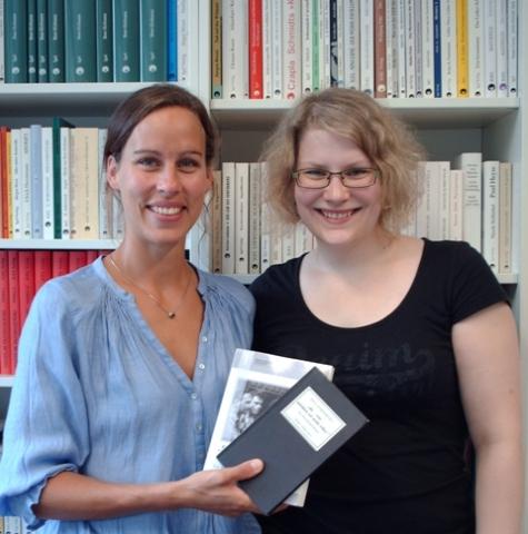 Nordrhein-Westfalen-Info.Net - Nordrhein-Westfalen Infos & Nordrhein-Westfalen Tipps | Programmleiterin Johanna Seegers (li)  mit Volontärin Christina Schmidt-Hoberg