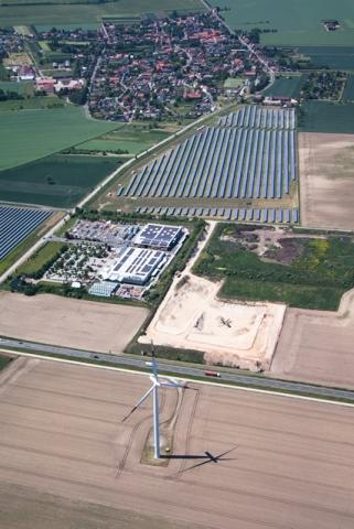 Grossbritannien-News.Info - Großbritannien Infos & Großbritannien Tipps | Luftaufnahme Solarpark Weißenfels