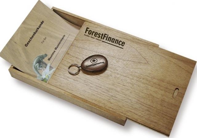 Tier Infos & Tier News @ Tier-News-247.de | Die Geschenkurkunde erhält der Beschenkte in einer edlen Holz-Schatulle