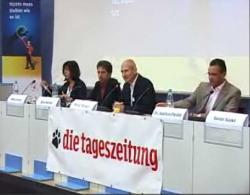 Alternative & Erneuerbare Energien News: Foto: Die kontrovers geführte Diskussion zum Thema Atomkraft fand am 13. September im tazcafe statt.