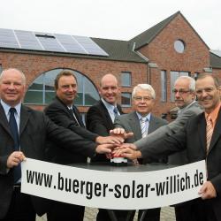 Alternative & Erneuerbare Energien News: Alternative Regenerative Erneuerbare Energien - Foto: Die Initiatoren der Bürger Solar Willich eG freuen sich über das große Interesse der Willicher Bürger an ökologischen Strom.