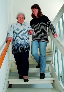 SeniorInnen News & Infos @ Senioren-Page.de | Foto: Treppen stellen für ältere Menschen eine oft unterschätzte Gefahrenquelle dar.